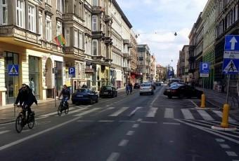 Komunikacyjna (r)ewolucja w miastach. Studium na przykładzie Szczecina