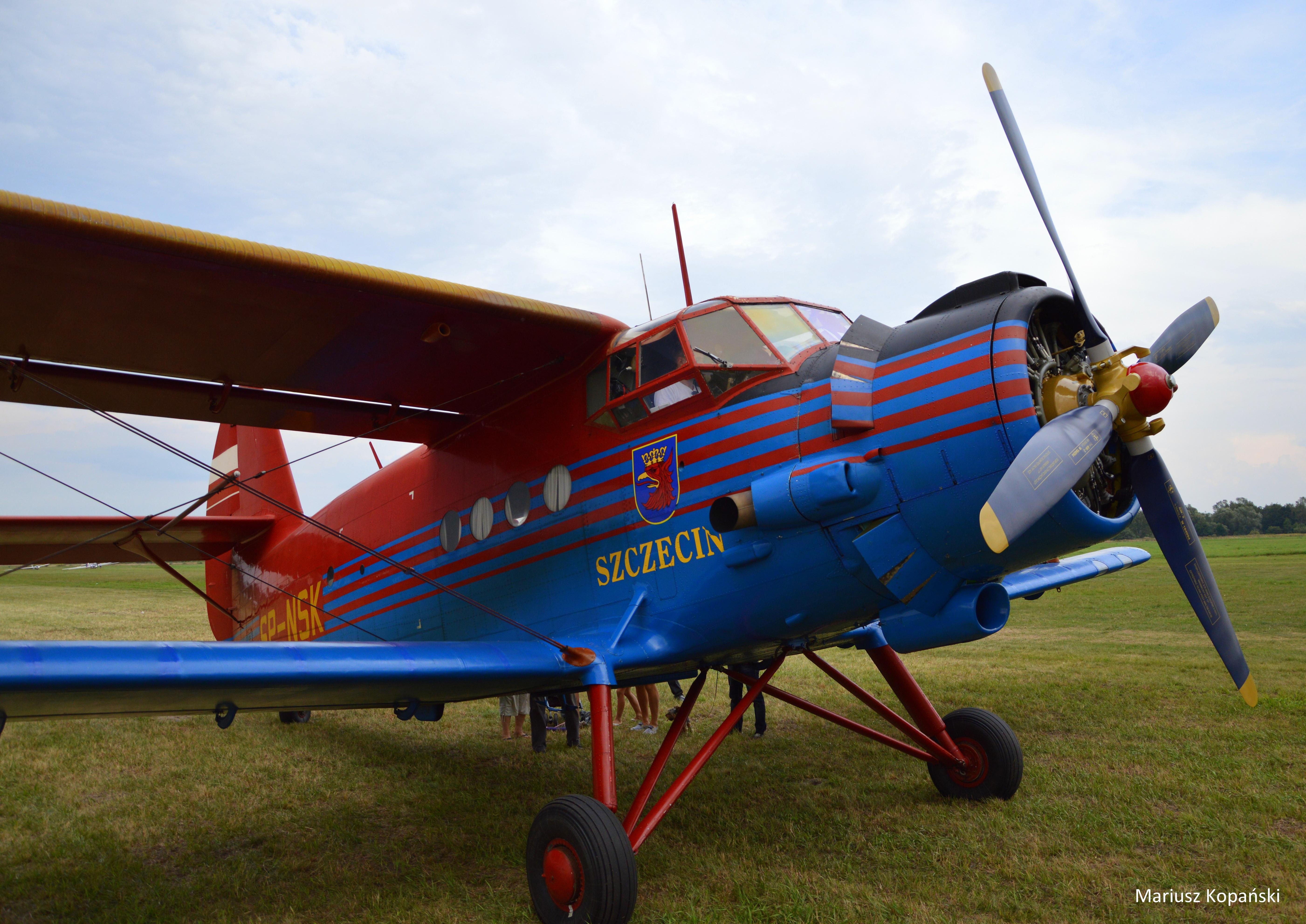 Pod skrzydłami – Piknik Lotniczy 2014